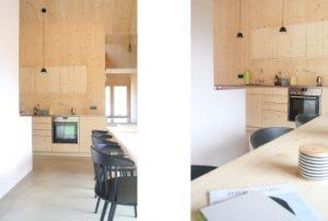 Küche und Essbereich mit Esszimmertisch und Stühlen