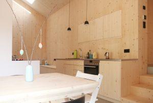 Küche mit Esstisch und Sideboard am früheren Seilerhansenhof