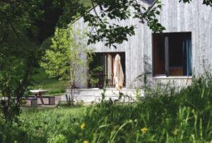 Gartenblick auf die Terrasse
